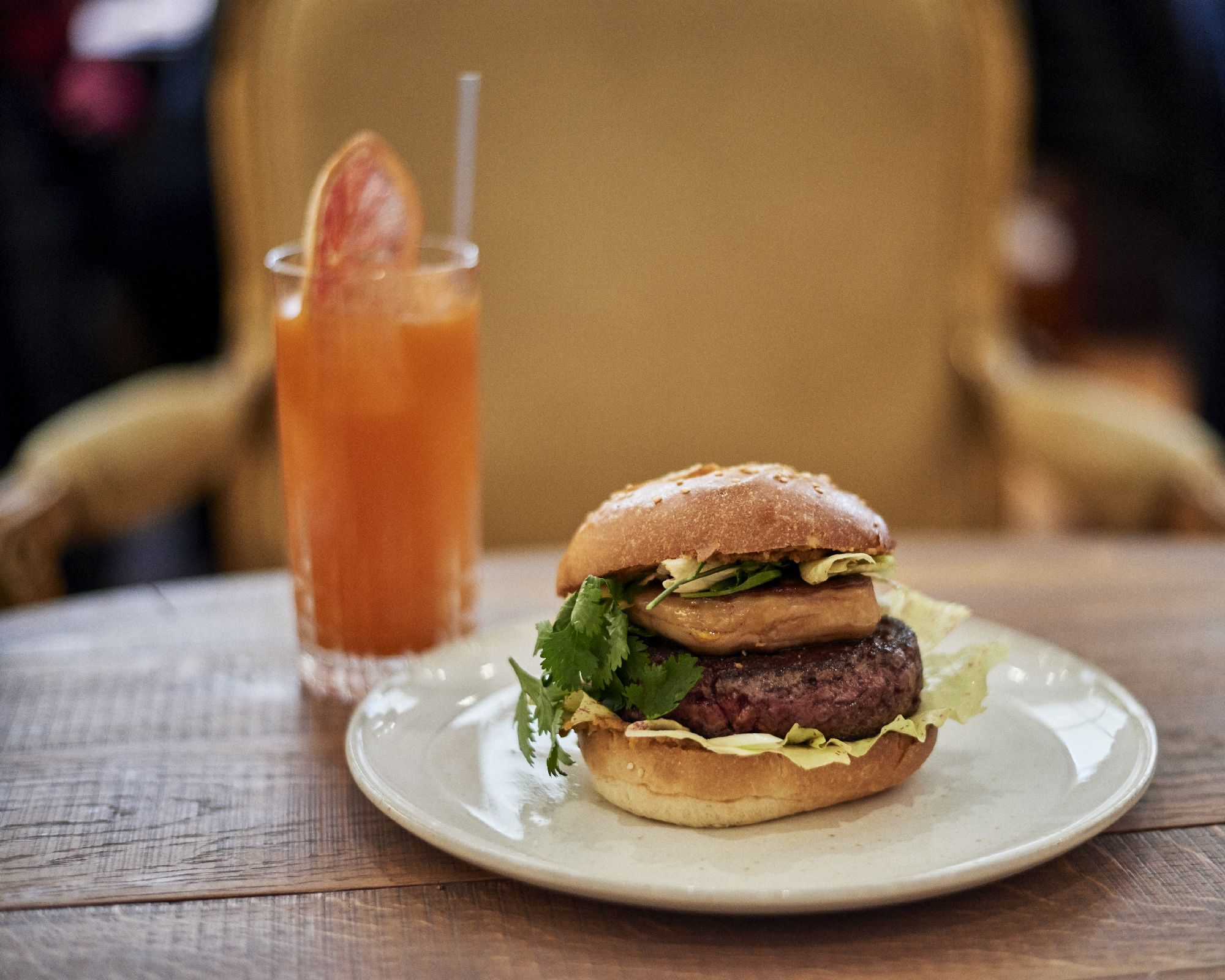 27/Photos/Restaurant-Joia-Brunch-Burger.jpg